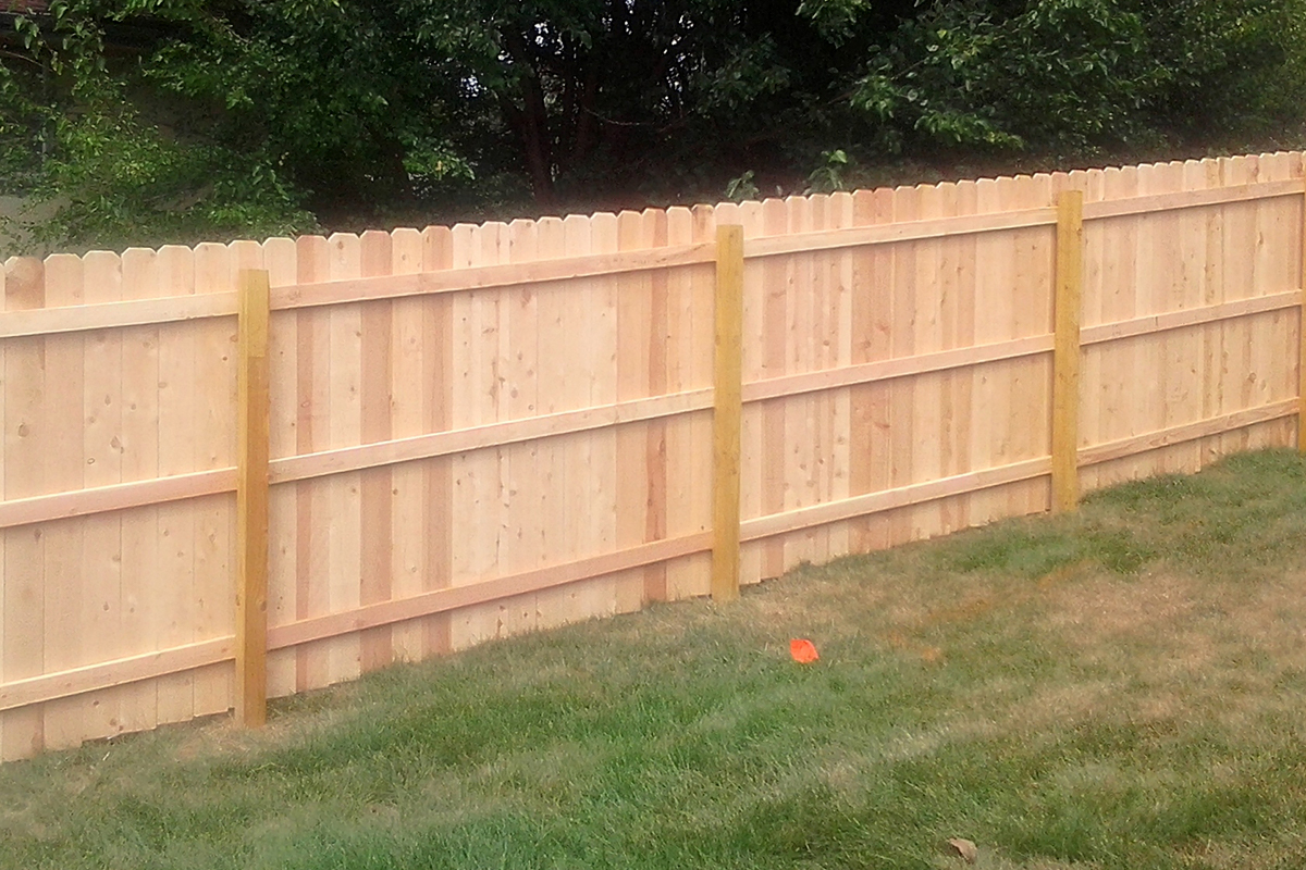Advantage Fencing Of Omaha, NE : Wood Fencing